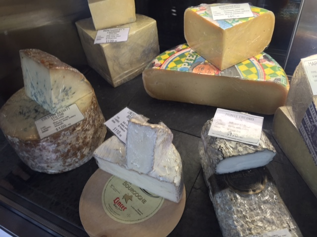 Exotic cheeses, restaurant in Healesville, artisan bakery, Winery, award winning food and wine, free wine tasting, private wine tasting, fair trade food, coffee roasted on site,