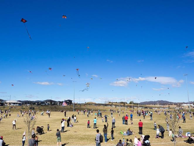 flying high in the googong sky, , googong, queanbeyan, canberra, NSW, ACT, new suburb, things to do in googong, family events, community, whats on, activities, attractions,