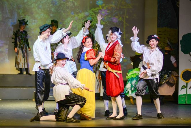 Hills Youth Theatre - Snow White and the Many Dwarfs - Adelaide Theatre