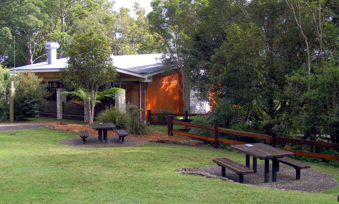 Lamington Tea House is a convenient spot for food and drinks after the hike