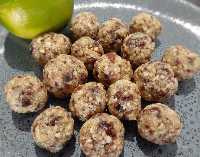 lime, lime and coconut protein balls, bliss balls, energy balls, recipes, top, best, lime, lemon, recipes, detox water, lime cupcakes, lime marinade, prawns, chicken, protein balls, lime and coconut protein balls, cooking, baking, family, kids, easy, limes, cooking with limes, easy recipes, australia,