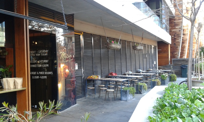 mocan and green grout, cafe, dog friendly, canberra, ACT, new acton precinct, breakfast, lunch,