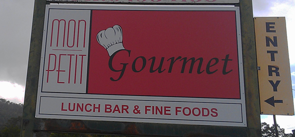 Mon Petit Gourmet, Lunch Bar sign