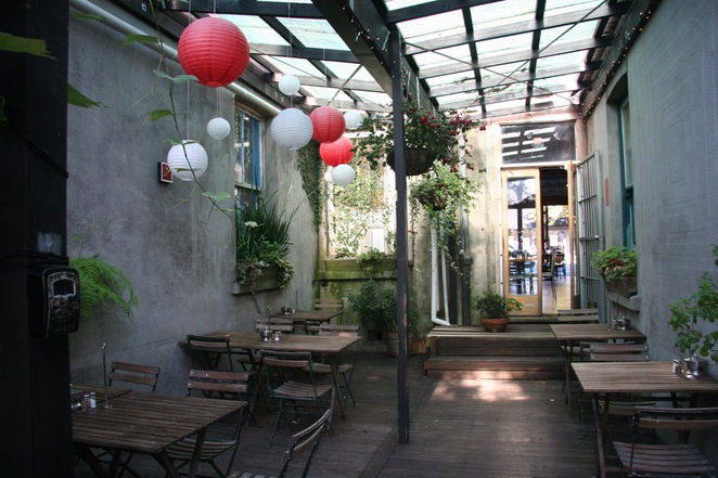 one2one, cafe, auckland, kid-friendly, child-friendly, sandpit