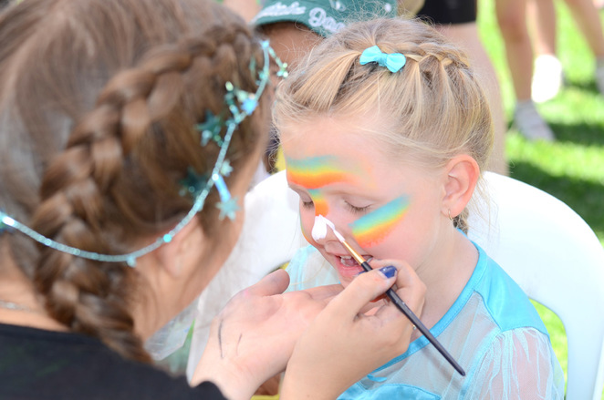 Onkaparinga 2016 Christmas Pageant Facepainting