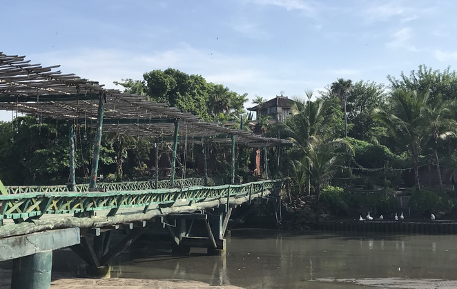 rickety bridge, Berawa Beach