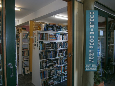 Buderim Book Ends