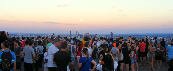 Mt Coot-tha attracts many people to watch the supermoon