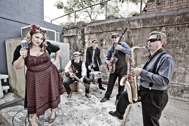 broadbeach jazz,dezzie d and the stingrayz