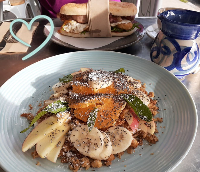 cellar cafe, fingal bay, port stephens, nelson bay, fingal spit, things to do in fingal bay, NSW, cafes, best cafes, locals, best coffee, organis, cheap, family, budget, best, best breakfast, dinner, takeaway, bottle shop, licenced,