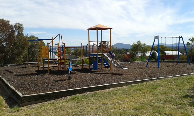 chauvel circuit, chapman park, canberra, weston creek, ACT, best playgrounds in weston creek, views,