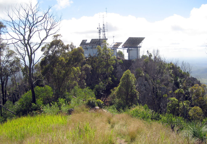 The communications tower on top of Flinders Peak has stairs and a walk way you can go up for additional views