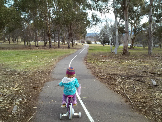Lake Tuggeranong bike path, ACT