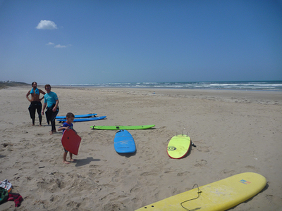 surf and sun middleton beach holiday suring learn lesson water ocean