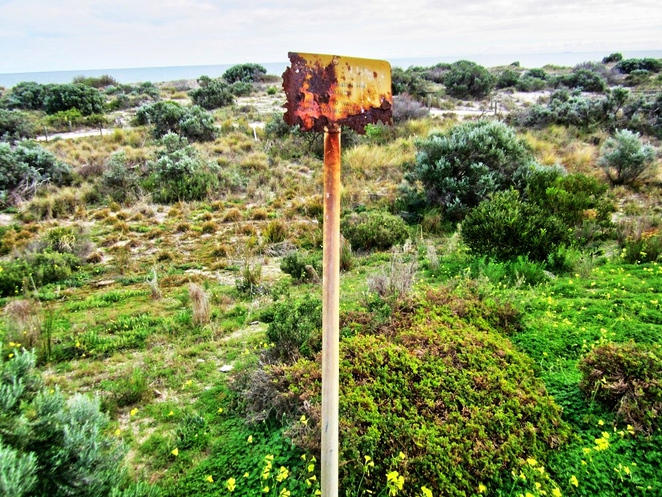 tennyson, tennyson dunes, tennyson dunes group, estcourt house, coastal path, west lakes, dune system, warrawee, grange, rusted sign