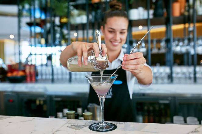 vibe hotel, canberra, helix bar and dining, ACT, canberra airport,