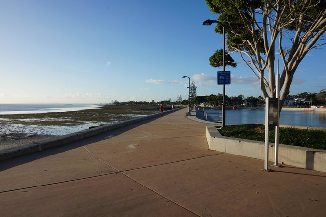 Wynnum foreshore walking path