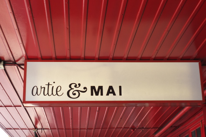 artie & MAI, Albion, Brisbane, Sandgate Road, antiques, vintage, Albion Village, Daytime Menu, breakfast, lunch, Belaroma coffee, contemporary decor, licensed, Australian craft beers, Burleigh beers on tap, Burleigh Brewing Co and Murrays & Holgate Brewery, Australian and New Zealand wines, evening functions seven days a week, private function room, function packages, birthdays, anniversaries, Christmas/end of year, bookmark