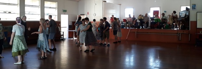 contra, dance, Yeronga, exercise
