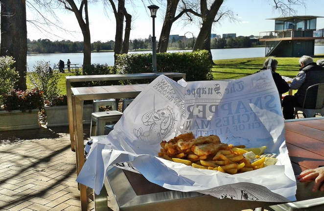 fish and chips, snapper on the lake, canberra, ACT, lake burley griffin, family friendly, family, kids,