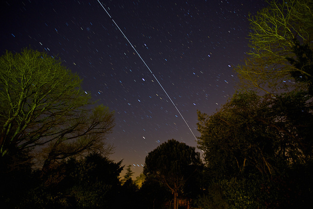 Photo of the ISS travelling across the night sky by Paul Williams @ Flickr