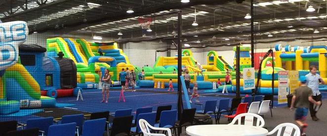 kambah inflatable world, kambah, canberra, indoor play centres, ACT, birthday parties, kids, toddlers