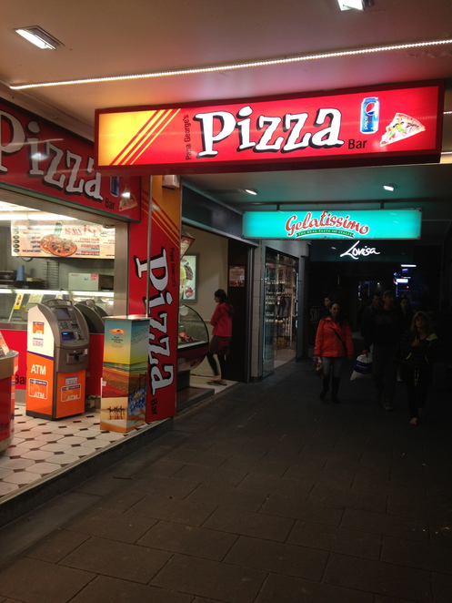 pizza gold coast, papa georges pizza bar, papa georges pizza bar surfers paradise