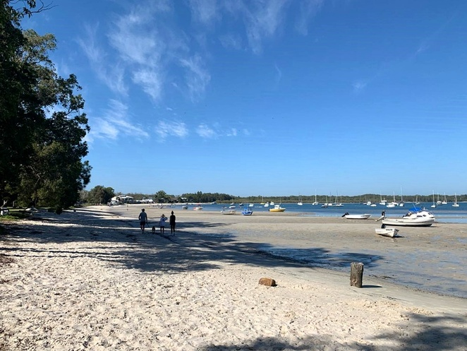 roy woods reserve, corlette, salamander bay, port stephens, NSW, swimming, BBQ, family friendly swimming, swimming bays in port stephens, BBQ areas, free BBQs, boats, SUP, kayak,