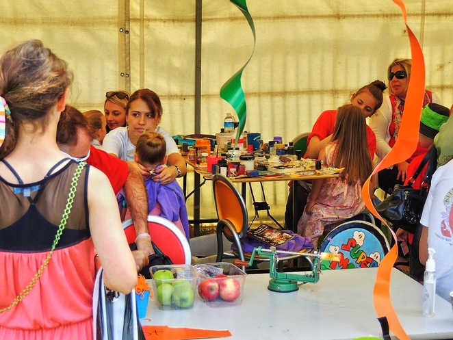 strawberry fair, edwardstown primary school, activities for kids, in adelaide, white elephant, live music, market stalls, south of Adelaide, fun things to do, face painting