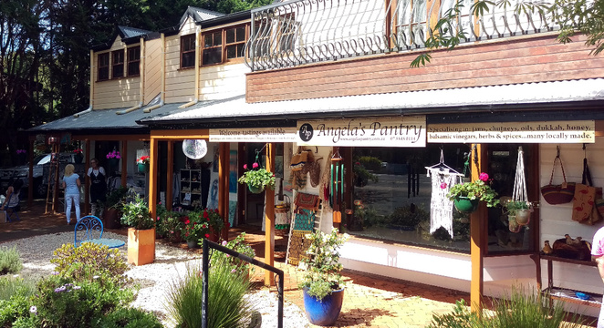 Mt Tamborine has many shops and cafes as well