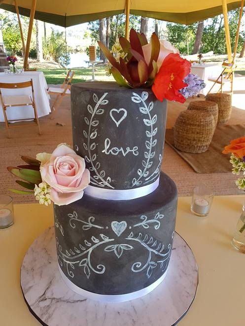 The Cupcake Teahouse, Buderim, Sunshine Coast, wedding cakes, birthday cakes, design your dream cake, artistic, special dietary requirements are accommodated, gluten free options