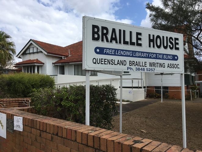 Braille House annerley books library