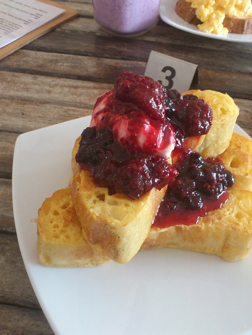 best french toast brisbane, best breakfast brisbane, ananas cafe graceville, french toast brisbane