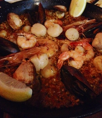 Robert Burns Hotel Spanish restaurant pub bar Collingwood seafood paella