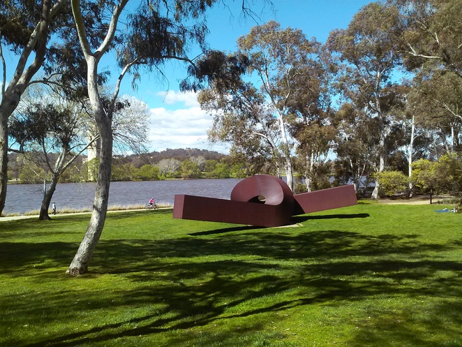 sculpture garden, canberra, national gallery of australia, lawns, picnic spots, best picnic spots, ACT, lake burley griffin picnic spots,