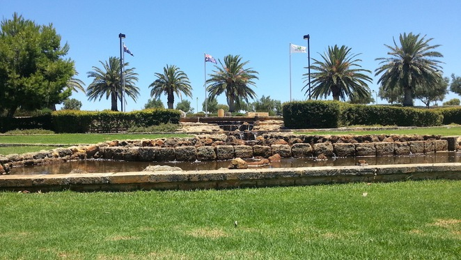 Stirling, Civic, gardens, park, war memorial, playground, picnic, barbeque, bbq, children, lakes, grass, shade, water feature