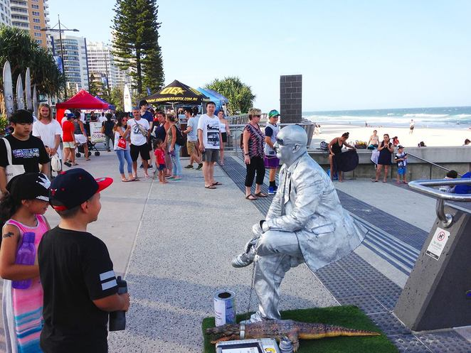 surfers paradise beachfront markets, surfers paradise, gold coast, markets, whats on, markets, twilight markets, gold coast attractions, things to do, brisbane, short drive from brisbane, local stalls, designers,