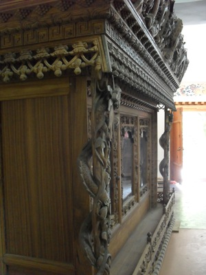 Wood carving, Norbulingka Institute, Dharamsala
