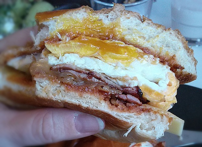 bacon and egg roll, canberra, little bird, ACT, breakfast, barton, best bacon and egg rolls