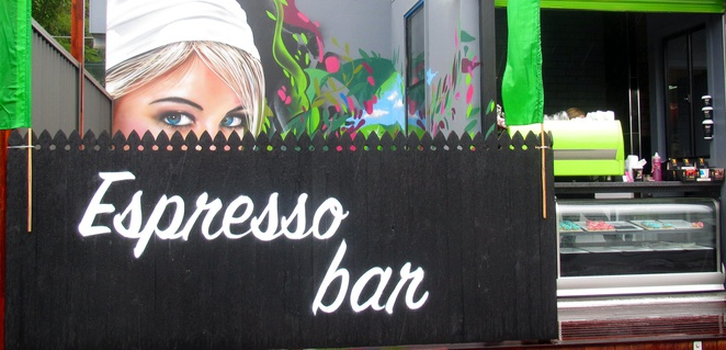 Bean and Gone Espresso Bar, coffee, cake, slices, muffins, tarts, graffiti mural, The Gap, food, drink, Drapl