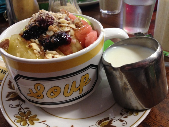 cafe envy, muesli, food, breakfast, lunch, fruit, mooloolaba, cotton tree