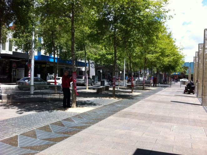 Geelong's mall being yarn bombed