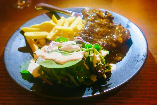Happy hour melbourne, Beer Deluxe half price steak night, steak night melbourne