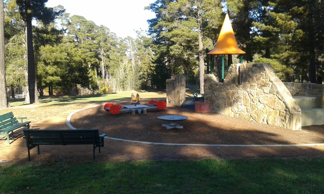 Julia Flynne Avenue playground, Isaacs, Woden, Playgrounds, Canberra