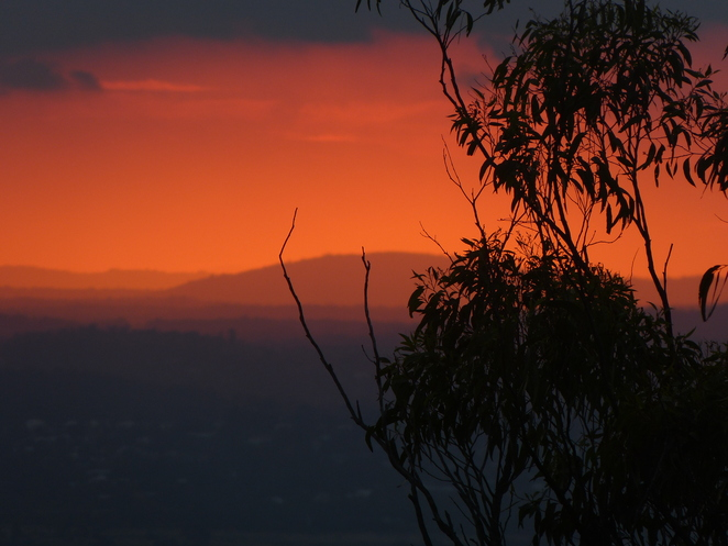 Sunset Mt Gravatt distant hills