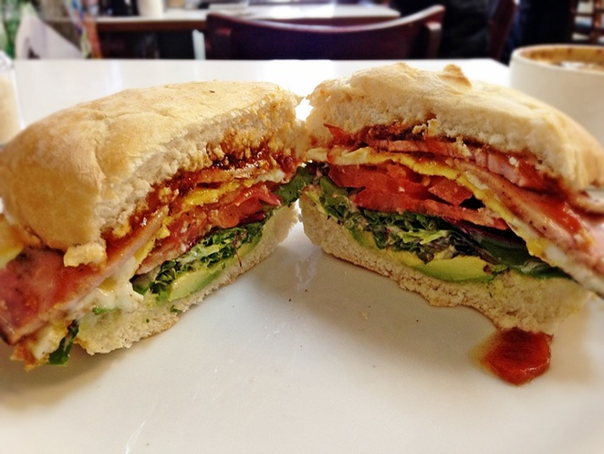 two hands cafe, fyshwick, bacon and egg rolls, canberra, ACT, canberra, burgers, cafes, best