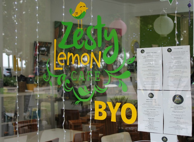 zesty lemon cafe deception bay waterfront burger breakfast lunch coffee