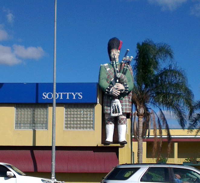big scotsman, scotty's motel, medindie, big things, south australia
