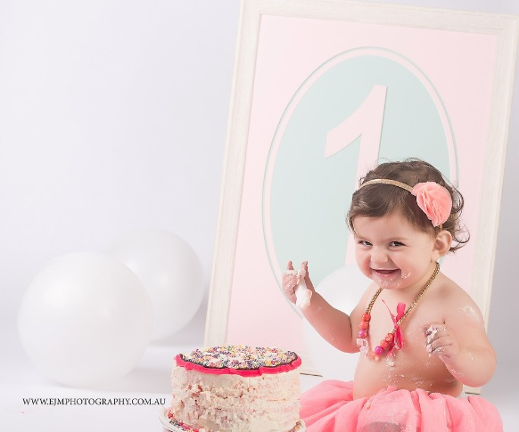 Cake Smash Photography Session by EJM Photography