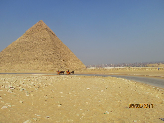 Chariots at the Pyramids